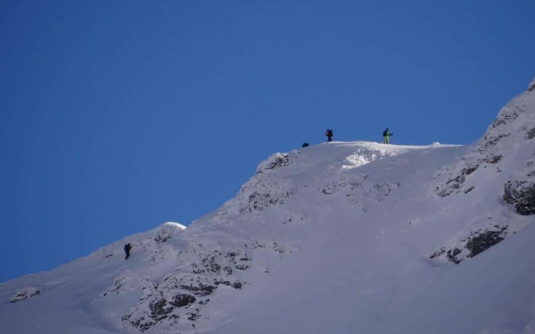 Pointe du Dzonfié en ski de rando du Refuge